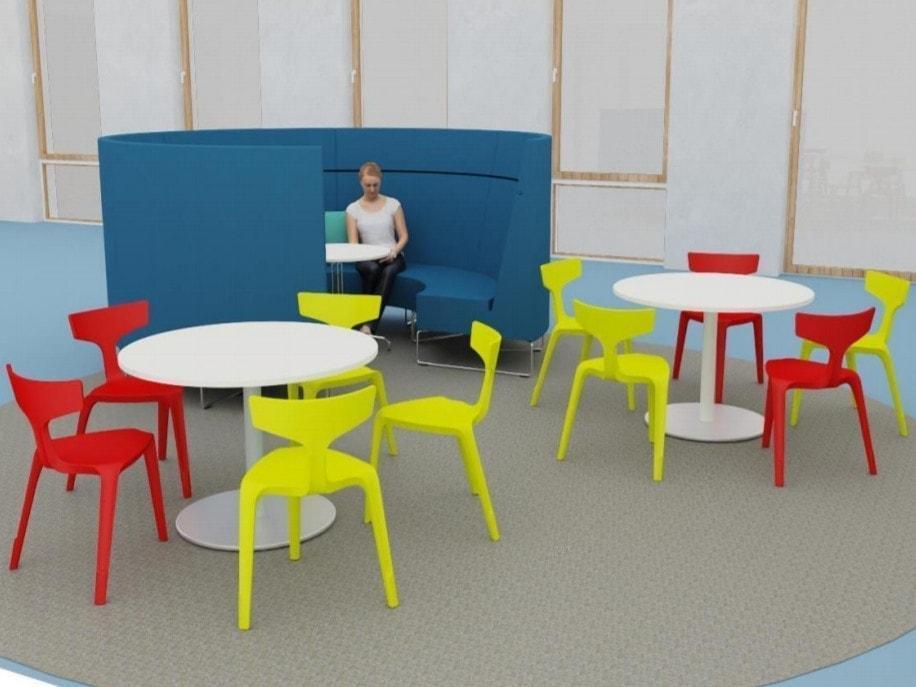 Trojnohá stolička Stakki v interiéri_2