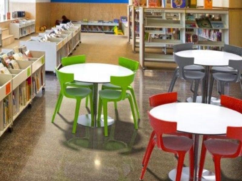 Trojnohá stolička Stakki v interiéri_5